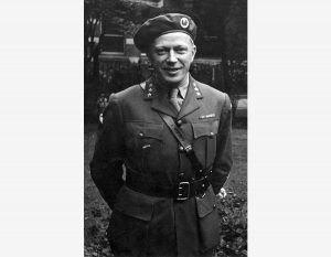 Leif Tronstad (født 27. mars 1903 i Bærum, død 11. mars 1945 på Syrbekkstøylen på Rauland) var kjemiprofessor ved NTH, etterretningsoffiser og militær organisator under motstandskampen i andre verdenskrig. Kilde: Leif Tronstad. Arkiv [Tek.60] (NTNU UB).